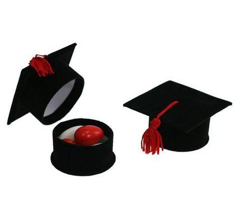 Shop Per Colore · Nero · Scatolina Cappello Laurea con Tocco Rosso.  scatolina capello di laurea ... 0ed1a5fb6878